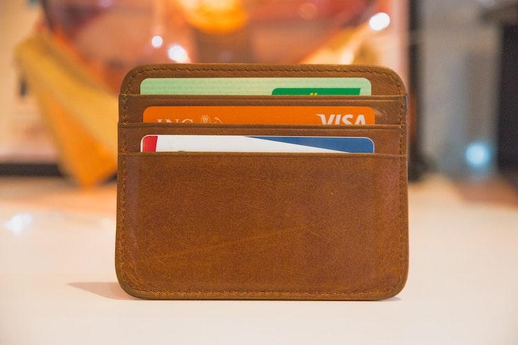lompakossa on luottokortteja